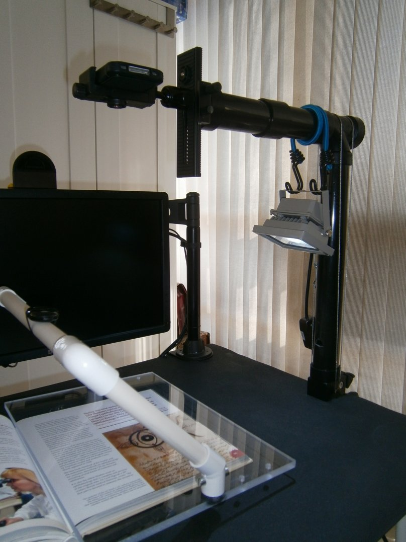 Scanner 900 - extended arm for light with larger books - P4020173 - small.jpg